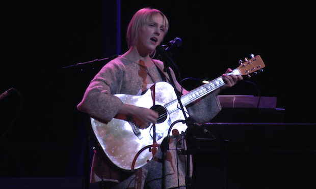 Watch Laura Marling Play New Songs On <em>A Prarie Home Companion</em>