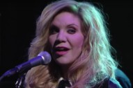 Watch Alison Krauss Cover Willie Nelson On <em>Colbert</em>