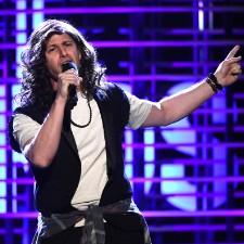 Watch Andy Samberg Parody Eddie Vedder At Spirit Awards