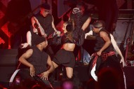 Ariana Grande's Dangerous Woman Tour Feels Too Pequeño For An A-List Pop Star