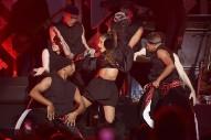 Ariana Grande's Dangerous Woman Tour Feels Too Pequeño For An A-List Pop Star