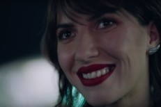 Aldous-Harding-Imagining-My-Man-video-1490798166