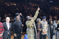 "Watch Diddy Unveil Barclays Center's Permanent Tribute To The Notorious B.I.G. During Brooklyn Nets' ""Biggie Night"""