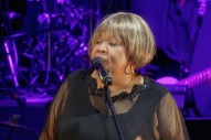 "Watch Mavis Staples Cover The Band's ""The Weight"" With Win Butler, Régine Chassagne, Jeff Tweedy, Others"