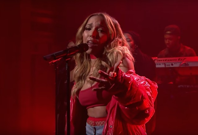 Tinashe-on-Fallon-1490968877