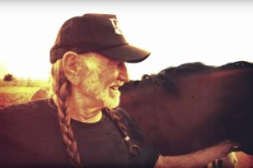 Willie-Nelson-Old-Timer-video-1490795325