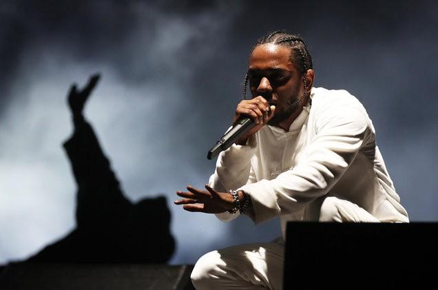 01-Kendrick-Lamar-day-3-coachella-2017-billboard-1548-1492522322