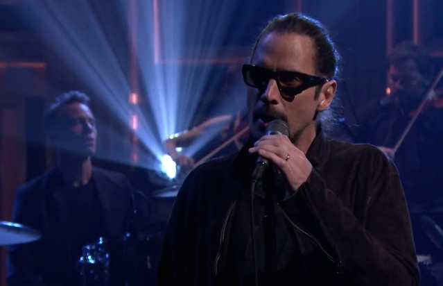 Chris-Cornell-on-The-Tonight-Show-1492697978