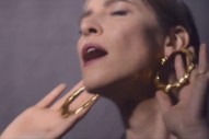 "Feist – ""Pleasure"" Video"
