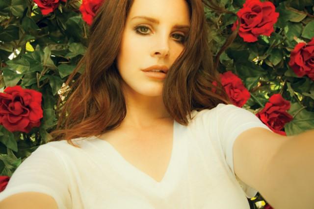Lana Del Rey finds love at Coachella?