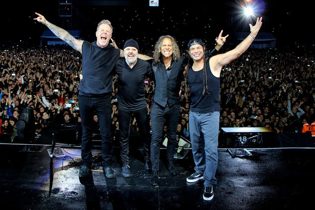 metallica-performance-bogota-dec-2016-billboard-1548-1493390081