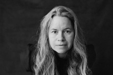 natalie-merchant-the-natalie-merchant-collection-545_0-1493220158