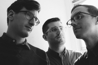 Q&A: Pet Symmetry On Dad Puns, Cutting Loose, & Starting A Band Because Of Harvey Danger