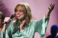 "Carly Simon Reveals Lost Verse To ""You're So Vain"""