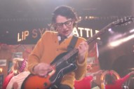 Preview <em>Stranger Things</em>&#8217; Finn Wolfhard&#8217;s Remake Of Weezer&#8217;s &#8220;Buddy Holly&#8221; Video For <em>Lip-Sync Battle</em>