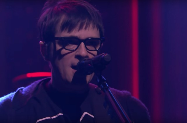 Weezer-on-The-Tonight-Show-1494939950