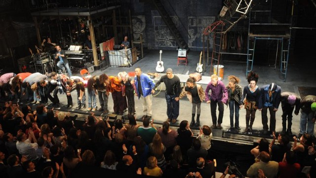 rent_broadway_closing_night_-_curtain_call_-_h_-_2016_-1494626149
