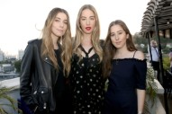"Watch Haim Cover Shania Twain's ""Man! I Feel Like A Woman!"" At LA Pop-Up"