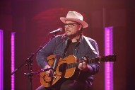 Watch Jeff Tweedy Play Wilco&#8217;s &#8220;I&#8217;m Always In Love&#8221; On <em>Seth Meyers</em>