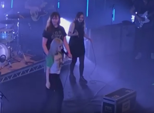 Watch chvrches lauren mayberry join paramore on misery business watch chvrches lauren mayberry join paramore on misery business in edinburgh malvernweather Image collections