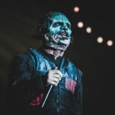 Slipknot Guy Says Nickelback Guy Has A Face Like A Foot