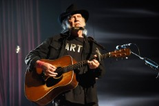 neil-young-performs-musicares-2015-billboard-650-1548-1497532790
