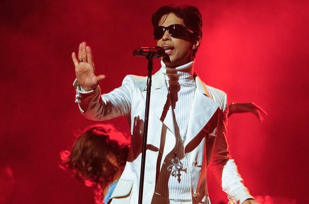 prince-live-red-2007-billboard-1548-1496935021