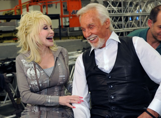 Kenny Rogers Announces Farewell Show Featuring Dolly Parton Flaming Lips Alison Krauss