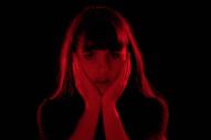 """Hazel English – """"That Thing"""" Video"""
