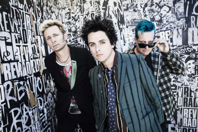An acrobat has died right before a Green Day gig in Madrid