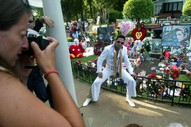 Elvis Died 40 Years Ago Today And This Year It'll Cost You To Visit His Grave