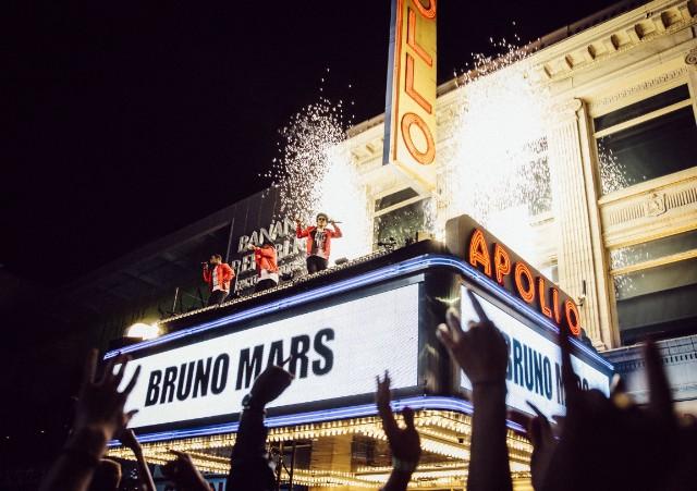 Bruno-Mars-Apollo-Photo-1-1505225071