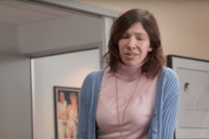 Carrie-Brownstein-in-Curb-1505133672