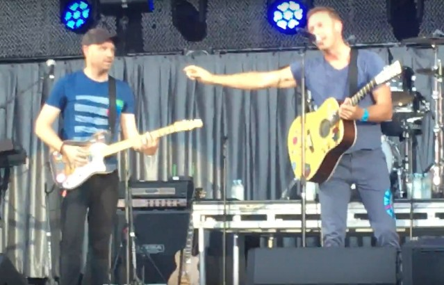Coldplay-in-Charlottesville-1506348184