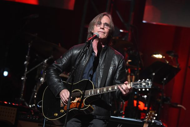 watch jackson browne cover melissa in tribute to gregg allman at laid back fest stereogum. Black Bedroom Furniture Sets. Home Design Ideas