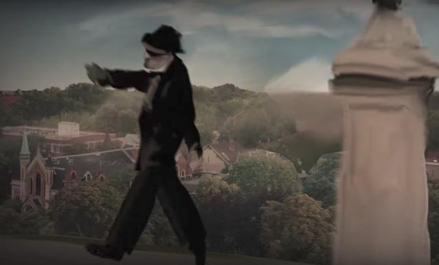 Leonard-Cohen-Leaving-The-Table-video-1505826809