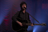Watch Green Day&#8217;s Billie Joe Armstrong Play &#8220;Ordinary World&#8221; Solo On <em>Fallon</em>