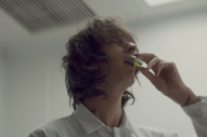 "The Horrors – ""Something To Remember Me By"" Video"