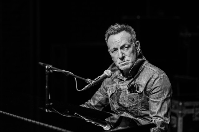 Bruce Springsteen Brings 15 Songs A Lifetime Of Stories To Broadway