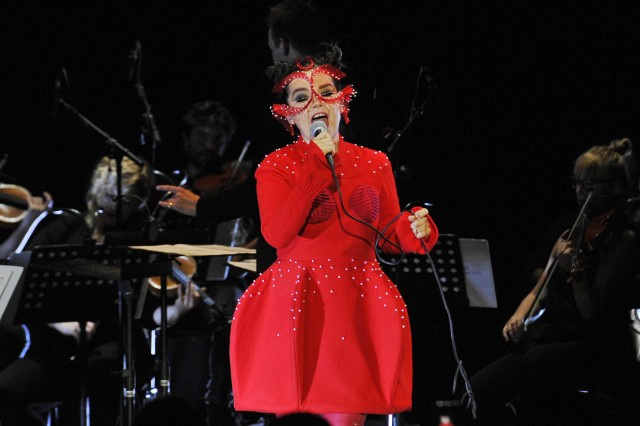 Björk claims she was sexually harassed by a film director