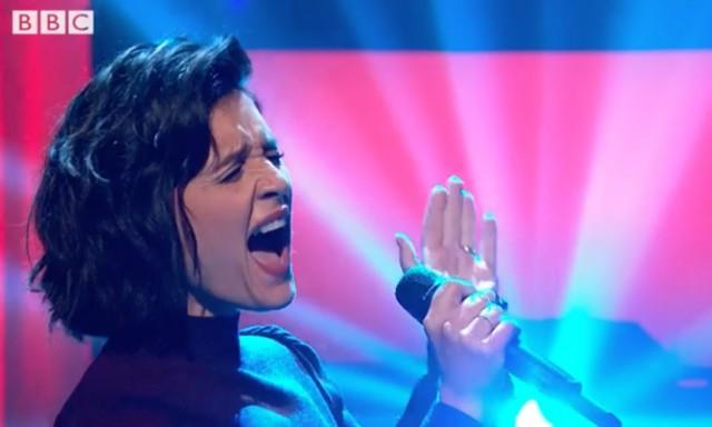 Jessie-Ware-on-Jools-Holland-1507128394