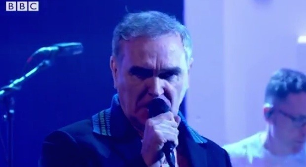 Morrissey-on-Jools-Holland-1507121899