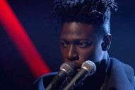 Watch Moses Sumney&#8217;s Gorgeous Performance Of &#8220;Plastic&#8221; On <i>Jools Holland</i>