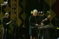 "Watch The Velvet Underground's John Cale & Moe Tucker Reunite To Perform ""I'm Waiting For The Man"""