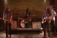 Watch Courtney Barnett &#038; Kurt Vile Play A Couple Of Songs On <em>Colbert</em>