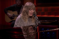 Watch Taylor Swift Sing &#8220;New Year&#8217;s Day&#8221; In Surprise <em>Fallon</em> Performance