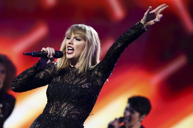 Taylor Swift Threatens Lawsuit Against Critic, ACLU Issues Challenge""
