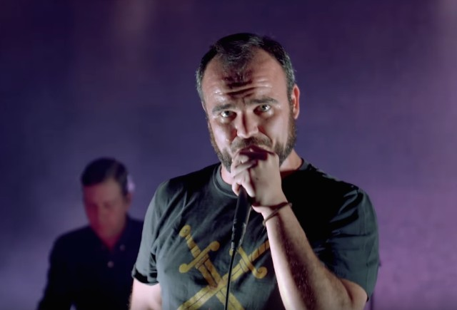 Future-Islands-Beauty-of-the-Road-video-1513264028