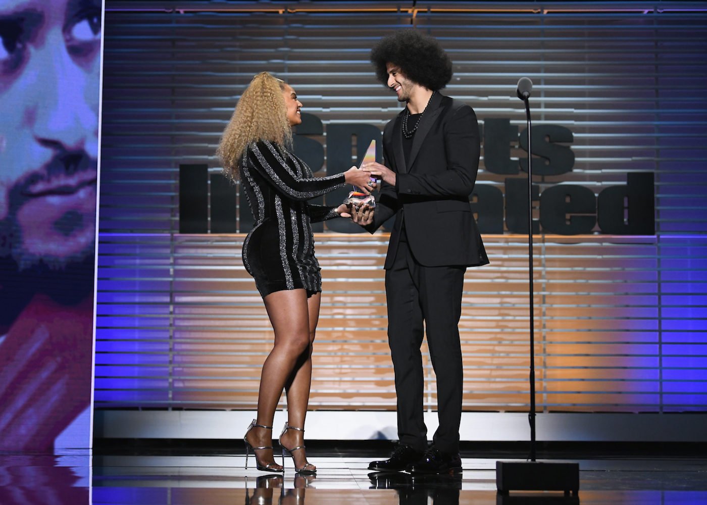 Beyoncé Surprises Colin Kaepernick With Sports Illustrated Muhammad Ali Legacy Award