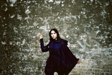 PJ_Harvey_Photo_Credit_MARIA_MOCHNACZ_000072340008-1512483851